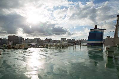 ferryinside_03.jpg