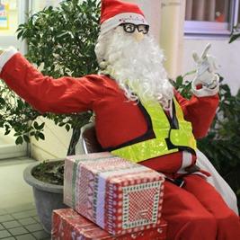クリスマスイブに浮かれている料金所はどこか2011