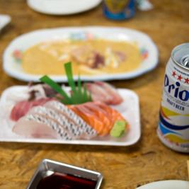 泉崎の鮮魚店「つかさ屋」のイートインが素敵