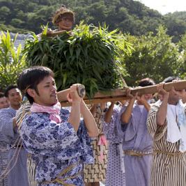 国頭村奥集落の伝統行事「ビーンクイクイ」を見て来た