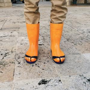島ぞうり風長靴でどこでも常夏気分を味わいたい
