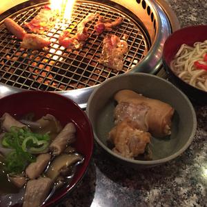 焼肉バンボシュでは沖縄料理も楽しめる